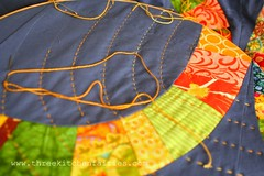 Getting settled/Establecindonos (threekitchenfairies) Tags: quilting handquilting singlegirlquilt
