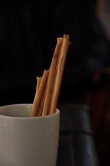 sticks (Zulma ()) Tags: cup table sticks taza breadsticks whitecup d90 tazablanca sticksofbread palitosdepan