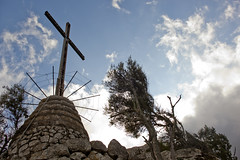 Cross & barbed wire (1)