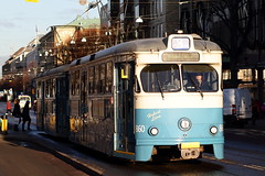 M29 Tram in Gothenburg (AdurianJ) Tags: pictures railroad canon europa december sweden gothenburg trains trams suecia lenses 欧洲 スウェーデン 2011 ヨーロッパ nórdico escandinavia 瑞典 北欧 斯堪的纳维亚 ノルディック