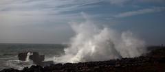 A boca do inferno (Julio Lpez Saguar) Tags: life sea naturaleza seascape portugal nature landscape mar waves power paisaje panoramic vida olas cascais breaking panormica fuerza rompiendo juliolpezsaguar abocadoinferno