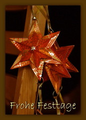 Frohe Festtage -  Merry Christmas (steffi's) Tags: christmas xmas stella paper star origami advent craft ornaments modular papel stern handicrafts papier estrella carta weihnacht papercraft doorhanger christmasornaments weihnachtsschmuck modules basteln origamistar paperstar 折紙 おりがみ 折り紙 falten christbaumschmuck libertystar かみ 纸的 ekaterinalukasheva araddia origamistern christmasdoorhanger
