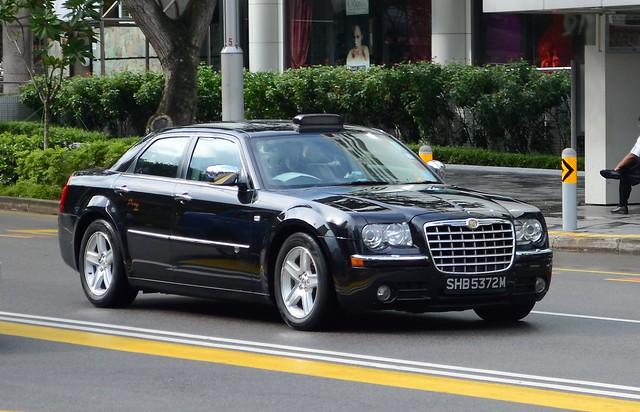 SMRT TAXIs Prestige Chrysler 300C Limousine Taxi