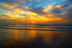 Peacefull night (guido camici) Tags: sunset sea sun macro beach dc tramonto mare pentax sigma sunsets os agadir morocco maroc marocco tramonti sole spiaggia afrique afrca newvision sigmalens hsm 1770mm sigmalenses f284 pentaxl10d bestcapturesaoi guidocamici elitegalleryaoi peregrino27newvision pentaxfa80320f456