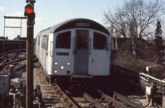 London Transport . 1956 Tube Stock 1003 . Approaching  Golders Green Station . 23rd-March-1979 . (AndrewHA's) Tags: electric train experimental stock railway prototype emu londonunderground 1956 trial 1003 northernline goldersgreen londontransport multipleunit metrocammell