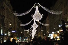 Viini taeva all (anuwintschalek) Tags: vienna wien winter night austria evening abend december illuminations christmaslights luster talv graben 2011 õhtu nikond90 tulukesed jõulutuled sigma1770os kroonlühtrid