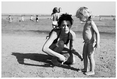 big girl and wee girl on beach (gorbot.) Tags: sea summer blackandwhite bw beach girl f14 roberta sciacca canoneos5d nikonfmount planar5014zf silverefex carlzeisszf50mmplanarf14 eosadaptor