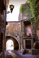 Back streets of Pals (Gem E Piper) Tags: street old architecture town spain europe traditional pals catalonia historic pottery catalunya costabrava