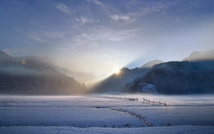 Creeping Cold (@hipydeus) Tags: winter light sunset mountains alps bavaria dream rays reworked ✪