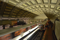 A passing train at Dupont Circle [Explored] (Yohsuke_NIKON_Japan) Tags: usa train dark subway washingtondc dc washington nikon downtown metro sigma railway dupontcircle dcmetro eastcoast wmata   10mm  dc explored colorefex d3100