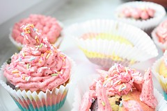 rainbow cupcakes with strawberry buttercream (zaskyline) Tags: food canon cupcakes rainbow windowsill 450d canon450d
