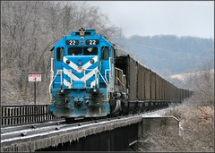 Whiteley Creek Crossing at Bridge 4 (Images by A.J.) Tags: railroad winter snow train tren 22 pennsylvania rail railway trains pa coal bahn greene treno cumberland chemin trein ferrocarril  ferroviario emd   sd38 ferroviaire sd382 cmyx