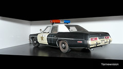 "Dodge Monaco 74 Police ""Blues Brothers"" (with Light Bar) - ERTL (-Yannewvision-) Tags: old france french 1974 miniature frankreich plymouth police monaco dodge francia 74 spielzeug fury jouet bluesbrothers フランス maquette miniatur anciennes bluesmobile alten 古い ミニチュア policepatrol vielles dukeofhazzard copscar sheriffaismoipeur yannewvision ダッジモナコ 警察の車 プリマス·フューリー"