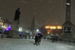 Snow arrives in London (noslen20) Tags: uk winter snow cold london ice wet water fountain car weather statue photography frozen taxi transport trafalgarsquare freeze roads solid gbr gushing noslen22 noslen20 nelsonpereiraphotography lowpreasure