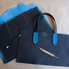 New bag in construction (Vertstone) Tags: england 6 fashion handmade wallet alligator lizard ostrich luxury iphone cardholder vertstone
