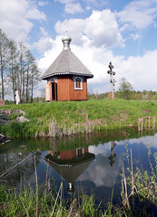 Old Orthodox Chapel (roomman) Tags: world park wood lake building tower history church nature water beautiful museum forest landscape wooden nationalpark high pond open natural air centre poland polska exhibition historic holy national end bialowieza tall skansen openair 2016 biaowiea suwalki reser djungle