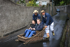 Toboggan (m-i-v) Tags: street ride bend slide tourists madeira funchal toboggan sledge