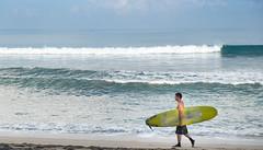 Looking for waves (Shahrc) Tags: bali kuta