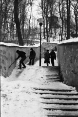Slippery Steps (gohjinchuan) Tags: winter stairs prague nikonf100 petn kodak400tx epsonv700 50mmf18dafnikkor