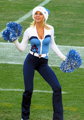 Cheerleader (Steve Selwood) Tags: nashville cheerleader tennesseetitans lpfield tennesseetitancheeleader