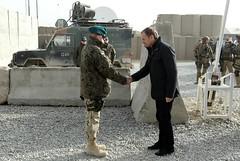 Premier w hodzie polegym onierzom (Kancelaria Premiera) Tags: premier tusk afganistan ghazni wizyta onierze