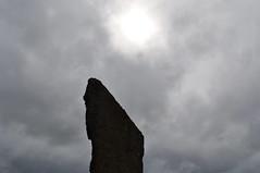 Pietre erette di Stenness, Stenness (Scozia) - Standing stones of Stenness, Stenness (Scotland) (Tommaso Paris) Tags: sun archaeology clouds scotland orkney stenness nuvole sole monolith mainland monoliths scozia archeologia standingstonesofstenness monolite orkneyislands stonescircle neolitic neolitico orcadi monoliti cerchiodipietre isoleorcadi lagoharray harraylake pietreerettedistenness