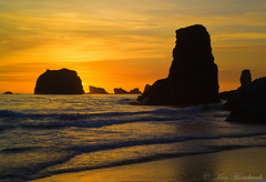 Colorful Evening at the Beach   F4KV3231 (Ken Hornbrook - inspirationalphotoimages.com) Tags: ocean sunset beach oregon bandonbeach mygearandme