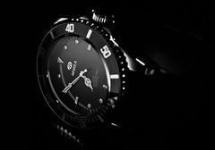 1/52 My new watch... a Marea!!! (Xisco Bibiloni) Tags: nikon flash watch week1 reloj nikkor honeycomb 2012 iluminacion marea 2470mm d90 strobist project52 yongnuo yn560 522012 weekofjanuary1 52weeksthe2012edition