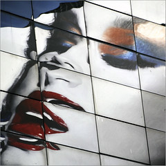 lips (Dreamer7112) Tags: nyc newyorkcity ny newyork reflection reflections ads advertising square nikon squares manhattan ad broadway lips billboard advertisement billboards mirrored advertisements riflessi pubblicit maybelline d300 theaterdistrict theatredistrict nikond300
