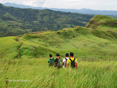 Hiking. More Fun in the Philippines (SweetCaroline) Tags: friends hiking valley gb hikers pk grassland zuiko indio southcotabato arakanvalley itsmorefuninthephilippines olanemboscado edwinlasquite arielmacatiog leotimogan