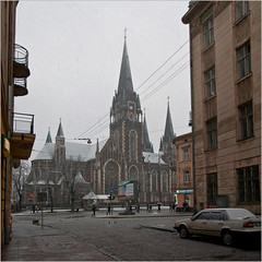 Light snow (Minarge) Tags: winter panorama snow lviv ukraine зима львів gorodotskastreet churchofstolhaandelizabeth церквасвятихольгиієлизавети костьолсвятоїельжбети