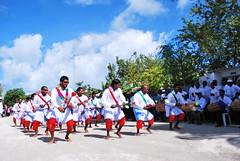 "''Maafathi Neshun"" Maldives Traditional Music..... ♪♪✿⊱╮ (RíchÝ) Tags:"