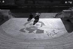 "Tourner le dos à la culture! <a style=""margin-left:10px; font-size:0.8em;"" href=""http://www.flickr.com/photos/61742187@N02/6767627705/"" target=""_blank"">@flickr</a>"