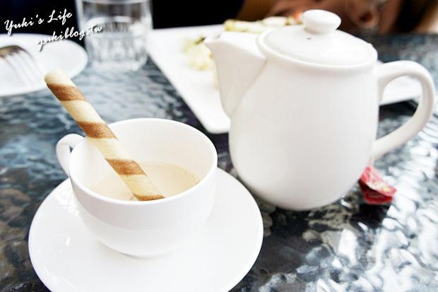 [板橋 食]*《大遠百》跳舞香水Cafe ~❤ 黑金巧克力蜜糖吐司~❤戀奶花生鬆餅~❤照燒雞肉三明治   Yukis Life by yukiblog.tw