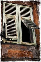 Persiennes (armandbrignoli) Tags: fente volet persienne vert windows vieux canon 5dsr