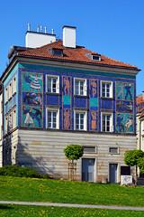 House Mosaic / Old Town Warsaw (Images George Rex) Tags: house mosaic poland warsaw oldtown warszawa pl dwelling socialistrealism staremiasto socialistrealist imagesgeorgerex photobygeorgerex