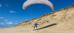 IMG_9166 (Laurent Merle) Tags: beach fly outdoor dune cte vol paragliding soaring ozone plage parapente atlantique ocan glisse littlecloud spiruline