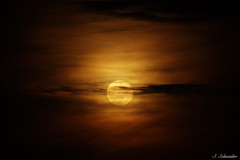 Mondaufgang | Moonrise (Sebastian.Schneider) Tags: sky moon nature clouds germany deutschland mond hessen natur himmel wolken moonrise moonlight lowkey mondlicht mondaufgang ldk haiger lahndillkreis lahndill