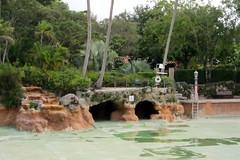 Florida - Coral Gables: Venetian Pool (wallyg) Tags: venetianpool phineaspaist phineasepaist pool coralgables miami miamidadecounty florida nationalregisterofhistoricplaces nrhp usnationalregisterofhistoricplaces landmark