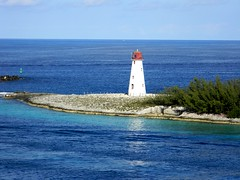 lighthouse (RandyTurner) Tags: blue sea vacation lighthouse water wow fun island paradise harmony bahamas nassau breathtaking shiningstar paradiseisland doubledragon hiddentreasure beautifulshot peaceaward heartaward diamondstars flickrestrellas nikonflickraward brillantphotography realgem flickraward flickrstruereflection1 flickrstruereflection2
