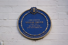 Photo of Stevie Smith blue plaque