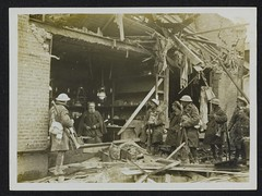 Verwoeste winkel WOI / The Great War: shop shattered by shell fire (Nationaal Archief) Tags: soldier wwi rifle worldwari worldwarone soldiers britisharmy greatwar firstworldwar rubble bombardment smle thegreatwar leeenfield shortmagazineleeenfield leeenfieldrifle