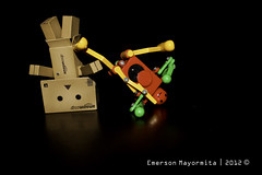 Danbo - Break Dancing (EMagination911) Tags: brown toy robot dancing box breakdance bboy danbo revoltech danboard