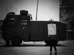 La lucha no termina (nerraz) Tags: chile santiago students libertad protest protesta carabineros universidad violence riots violencia marcha educacion estudiantes derechos pacos represion guanaco zorrillo usach lacrimogena