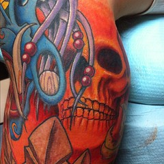 A little background skull action...   #tattoo #neotat #eternalink #alteredstatetattoo #scottwhite #skull