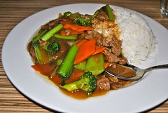 beef and veg with rice (Ian Riley) Tags: street food vegetables rice beef chinese kingdom australia adelaide noodle sa southaustralia gouger