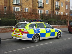 Hampshire Police BMW 530D Armed Responce Vehicle ( HX59 DLV ) (Callum999Pics) Tags: uk blue car yellow fire lights arms britain police hampshire bmw vehicle leds dots officer armed sirens authorised engalnd afo strobes constabulary arv rotaters 530d dlv responce hx59
