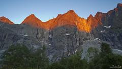 Alpenglow (ScenicMotion) Tags: mountains norway norge norwegen fjell mreogromsdal trollveggen trollwand trowall