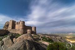 Los Pagos de Aunqueospese (noctuafoto) Tags: longexposure lightpainting castle night clouds stars noche tokina nubes estrellas nocturna angular castillo largaexposicin