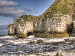 Selwicks bay (Ian Gedge) Tags: uk sea england english beach bay coast chalk waves britain head cove yorkshire cliffs stack headland flamborough selwicks